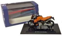 Motor schaalmodel 1:24 KTM LC8 Duke 6,5x12cm-3