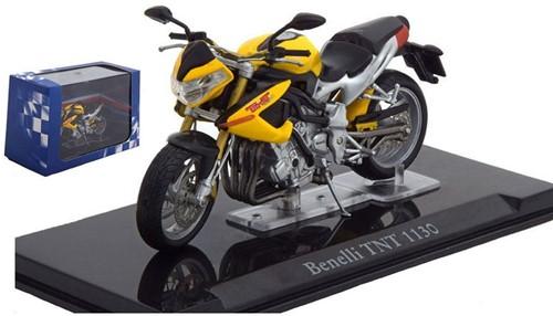 Motor schaalmodel 1:24 Benelli TNT 1130  8x12cm