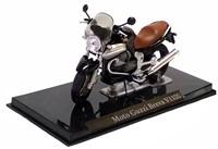 Motor schaalmodel 1:24 Moto Guzzi Breva  V1100 8x12cm