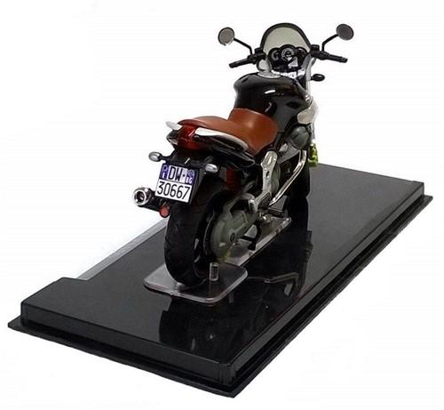 Motor schaalmodel 1:24 Moto Guzzi Breva  V1100 8x12cm-2