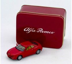 Die-Cast Alfa Romeo GTV 1995 1:43 13x6,5cm