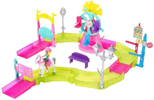 Barbie on the Go Motorized Carnaval 32x38cm-2