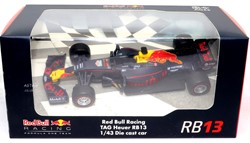 Die-Cast Red Bull Racing Race auto 1:43 7x15cm